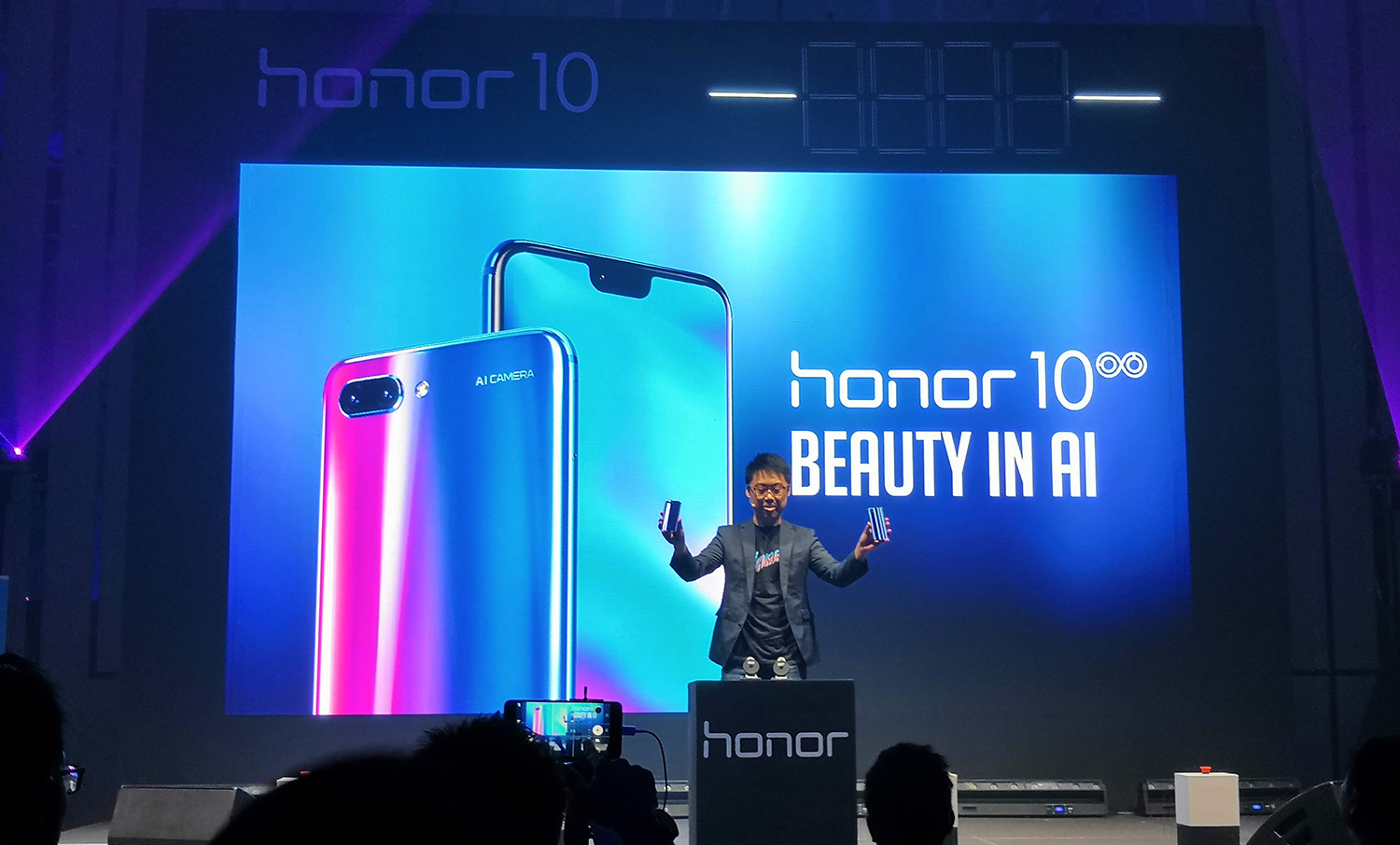 Aurora Inspired Honor 10 With AI Camera Launched in Malaysia