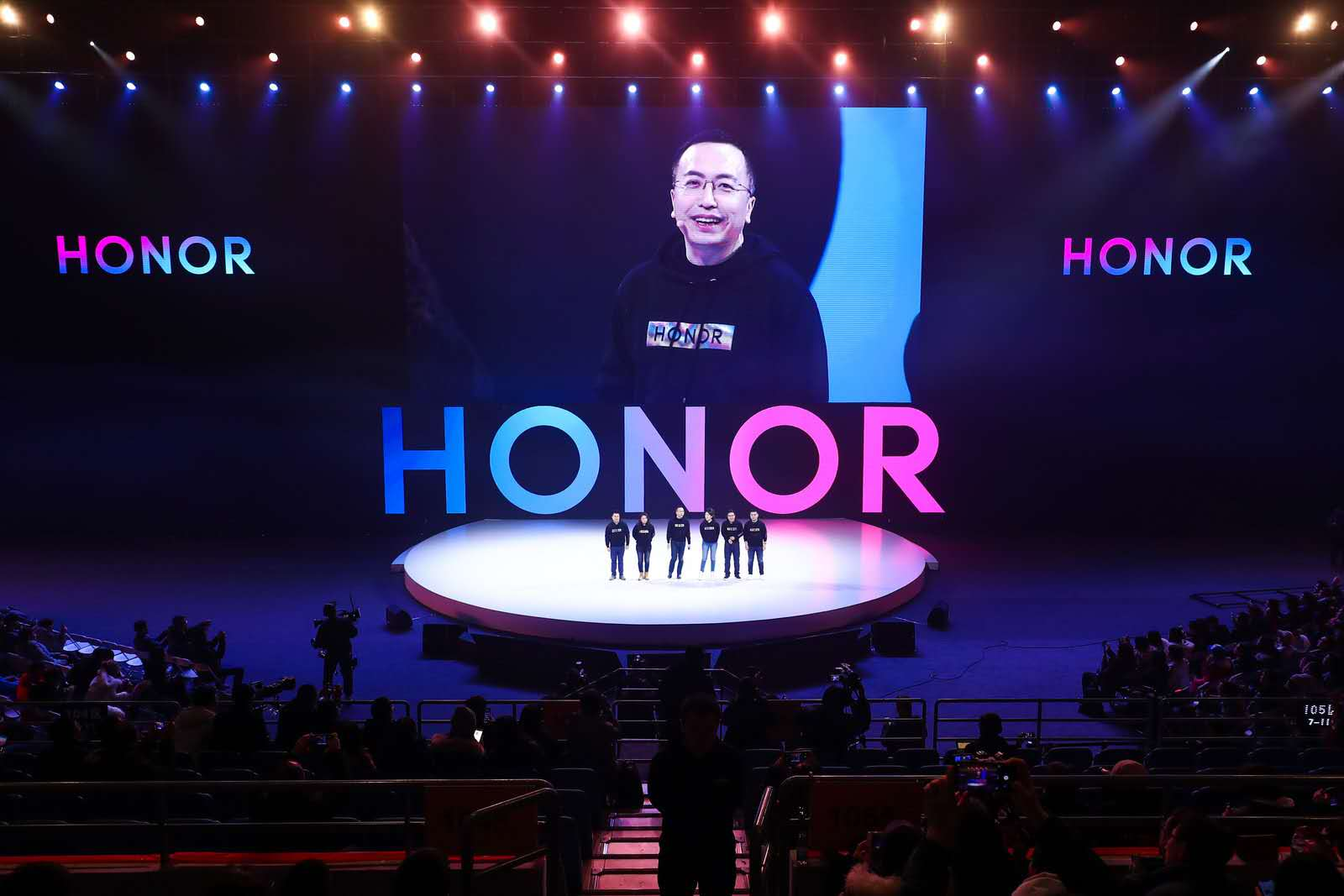HONOR Sees Strong Growth Amid Global Industry Decline